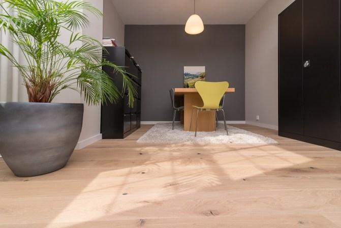 Welke meubels passen bij mijn houten vloer