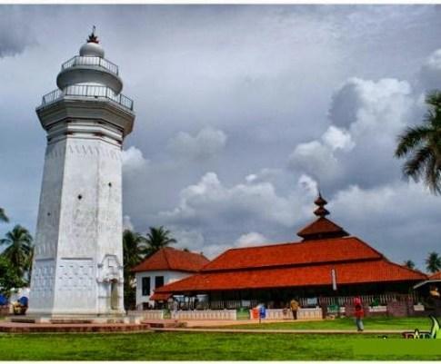 masjid sebagai peninggalan sejarah bercorak islam