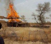 pak-army-burn-baloch-houses-2