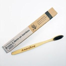 1 brosse à dents en bambou avec emballage