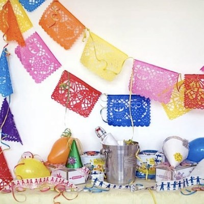Famille Summerbelle Party Banner & Ribbons