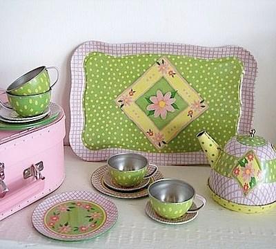 Retro Tin Tea Set by Cupcakes