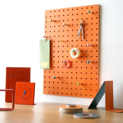 Block Design pegboard