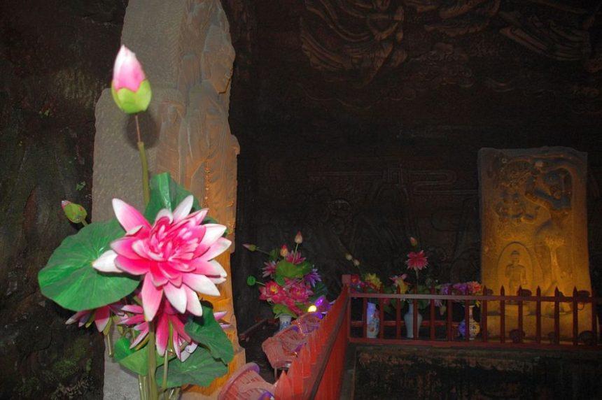 leshan-buddha-park-hoehle-1