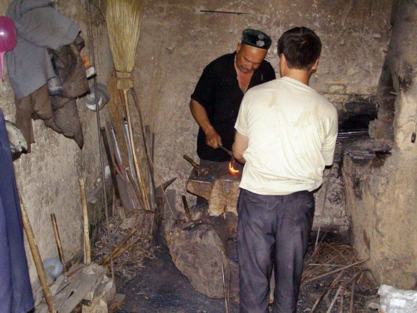 Schmiede im Bazar von Kucha