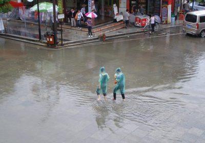 Wetterkapriolen: Hochwasser in Yangshuo