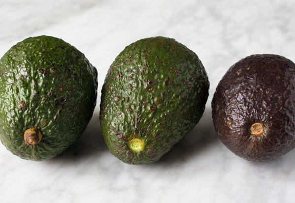 Remove guesswork during the avocado selection process. In this article, I describe four simple methods you can use to tell if an avocado is ripe.