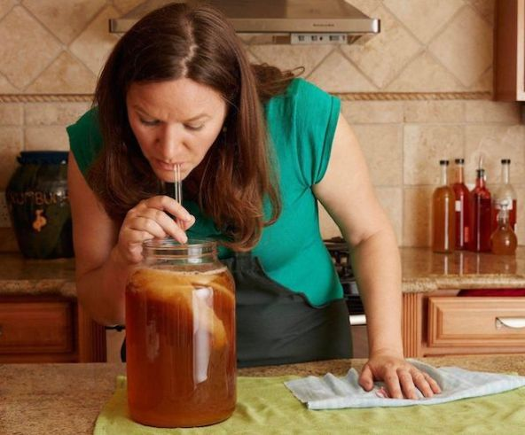 What is Kombucha? This article is an in-depth look at Kombucha and explores its history, how it's made, its nutrition facts, and its many health benefits.