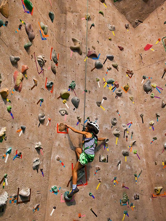 20130613-rock-climbing-wall-climbing-steven-depolo-04-use