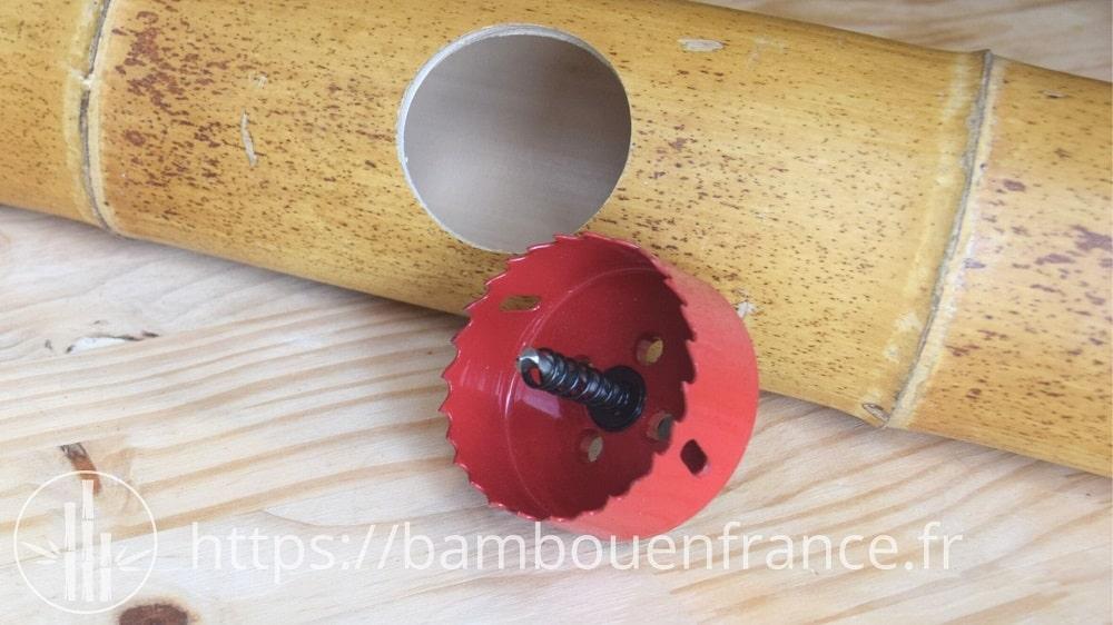 Trépan pour faire un trou dans le bambou