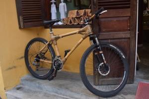 Vélo en bambou
