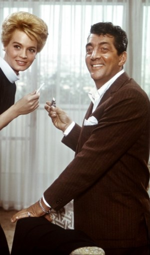 Dean Martin and co-star Angie Dickinson in 1960's Ocean's Eleven.