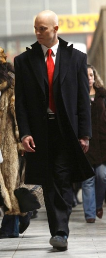 Timothy Olyphant as the titular Agent 47 in Hitman (2007).