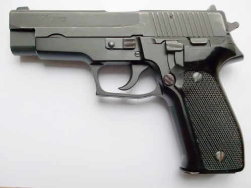 A SIG-Sauer P226, the initial handgun of choice for Raylan Givens.