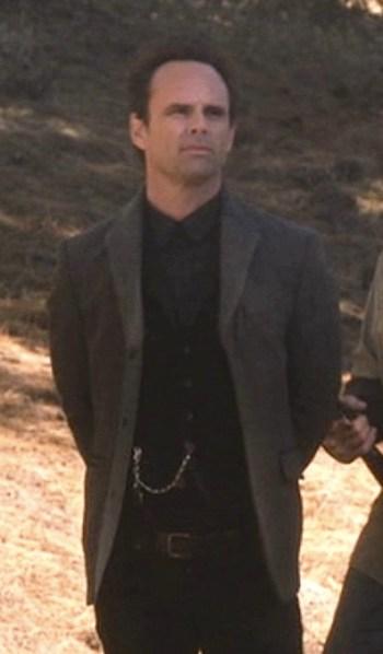 """Walton Goggins as Boyd Crowder on Justified. (Episode 4.05: """"Kin"""")"""
