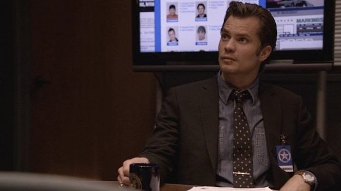 """Raylan redefines business dress in """"The Hammer"""" (Episode 1.10)."""