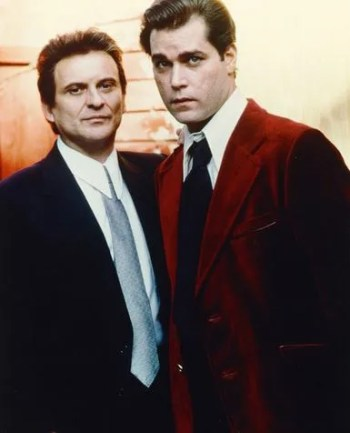 Joe Pesci and Ray Liotta as Tommy and Henry, respectively, in Goodfellas (1990)