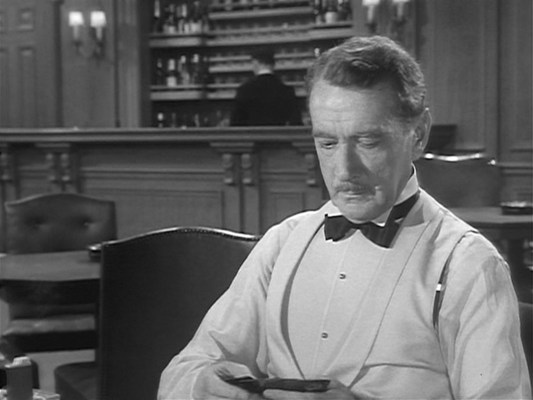 Daniel Craig's James Bond was criticized for removing his dinner jacket during a high-stress poker game in Casino Royale, but if even Clifton Webb has done it, then perhaps 007 is owed a greater degree of leeway...