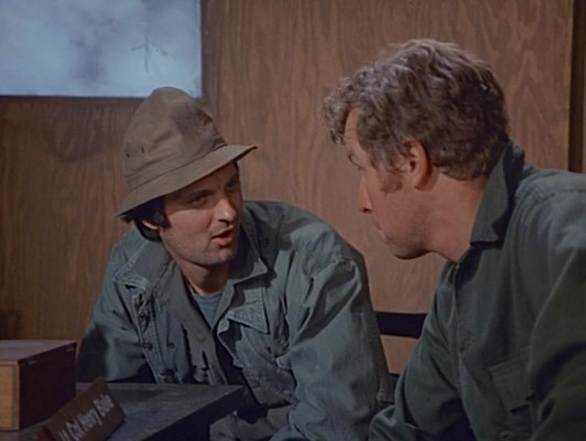 Hawkeye's bucket hat in the pilot episode maintained sartorial continuity with the 1970 movie, but it wouldn't remain an established part of his image as the show went on.