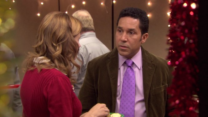 Oscar reluctantly lets Pam play matchmaker for him at the Christmas party.