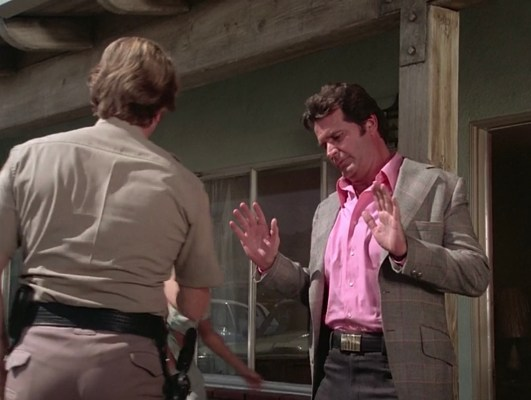 """Jim Rockford doesn't want any trouble in """"Pastoria Prime Pick"""" (Episode 2.11)."""