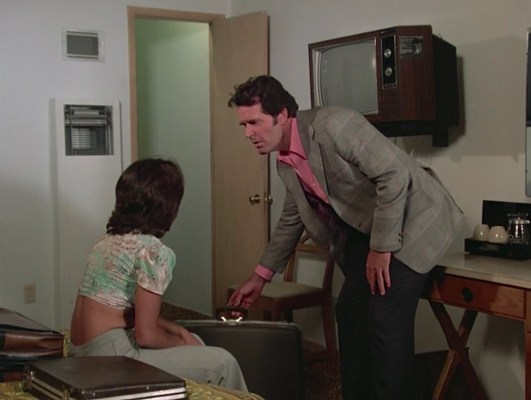 """All Rockford wants in """"Pastoria Prime Pick"""" (Episode 2.11) is a motel room, but an abandoned suitcase and Rita's (Smith Wordes) possessive boyfriend threaten his peace."""