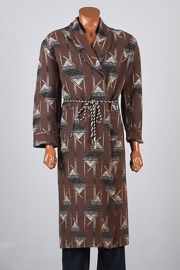 A 1940s-vintage Beacon Blanket Robe (Source: Style & Salvage)
