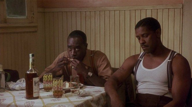 Don Cheadle and Denzel Washington in Devil in a Blue Dress (1995)
