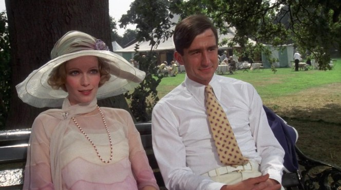 Mia Farrow and Sam Waterston in The Great Gatsby (1974)