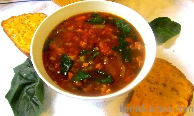 Minestrone soup with Cheesy Garlic Toasts