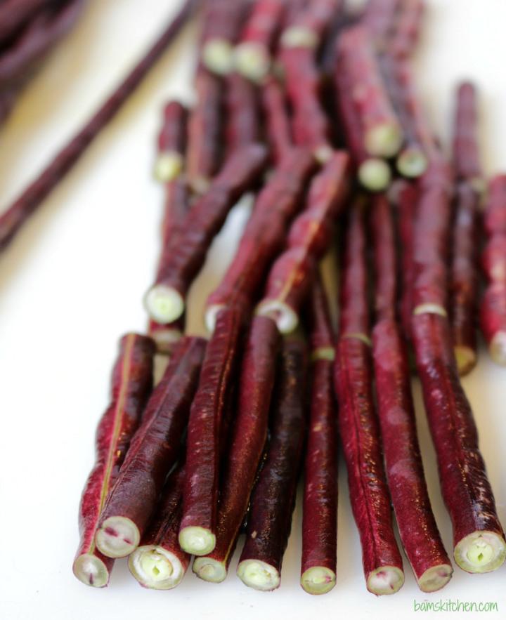 Adobong Pulang Sitaw (Long RED Beans) / http://bamskitchen.com