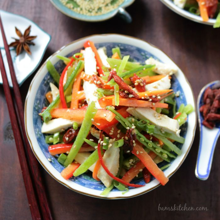 Chinese Salad with Goji Berries Dressing / http://bamskitchen.com