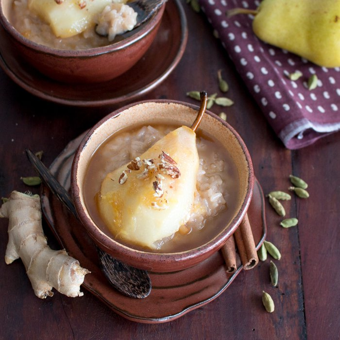 Coconut Rice Pudding with Cardamom Spiced Honey Pears / http://bamskitchen.com