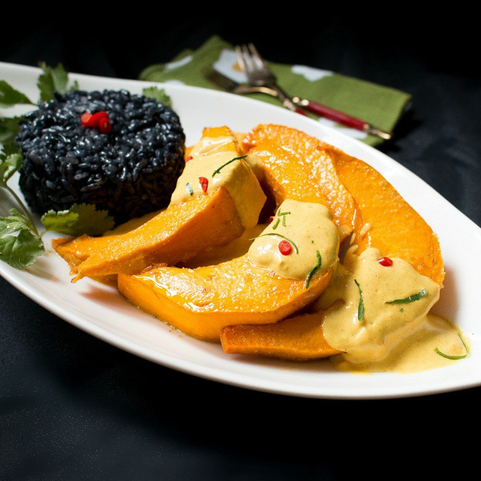 roasted-kabocha-squash-with-curried-sauce / http://bamskitchen.com