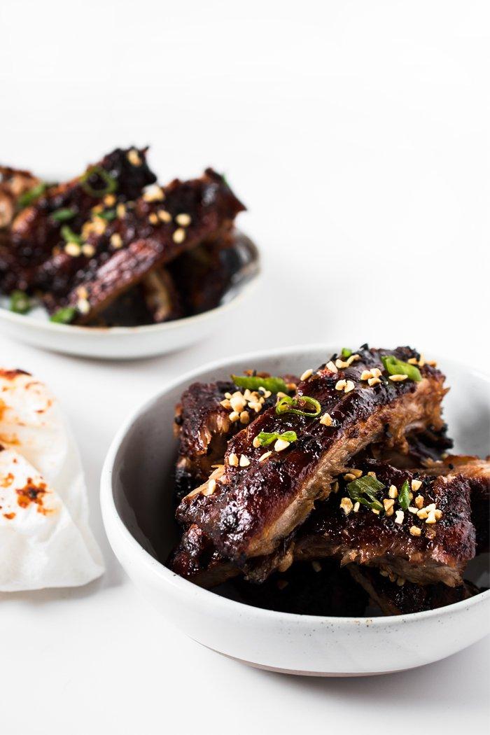 Spicy Pork Ribs / http://bamskitchen.com