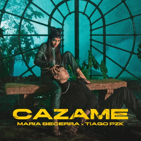 """Portada del sencillo """"Cazame"""" de María Becerra y Tiago PZK"""