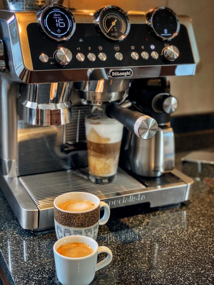 DeLonghi La Specialista MAESTRO - Zubereitung Latte Macchiato