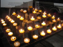 Candles in the Sacré-Coeur.