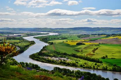 Breathtaking views from the summit of Kinnoull Hill!