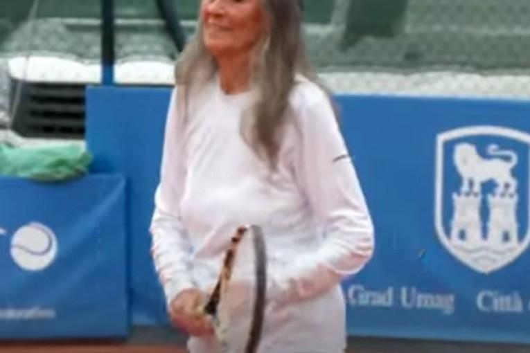 الجدة المعجزة عندها 85 سنة وتلعب التنس