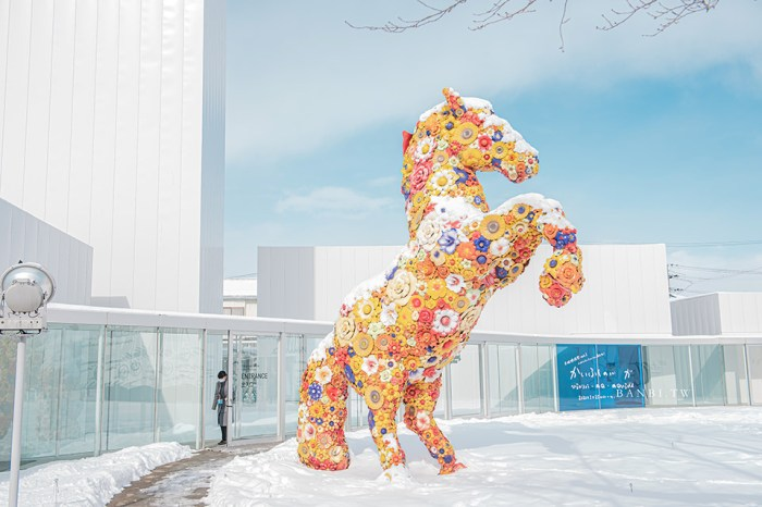 青森十和田市現代美術館:把繽紛幻想藝術帶到街道,草間彌生、奈良美智等藝術家巨作(含交通、點點南瓜周邊商品、作品介紹