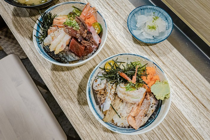 台北信義美食 南方漁場平價日料:超豐盛生魚片海鮮丼飯、炙燒丼飯,飽足滿意回家
