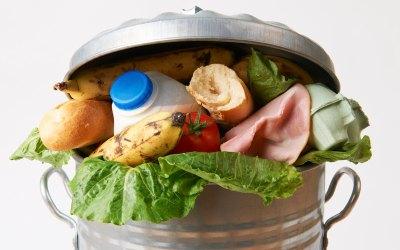 Cuando el hambre convive con el despilfarro