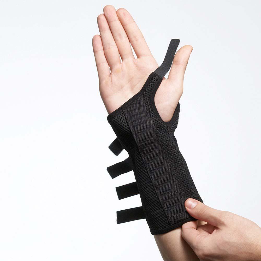 Håndledsbandagen 535 fra bandageshoppen.dk spændes med 5 velcrobånd