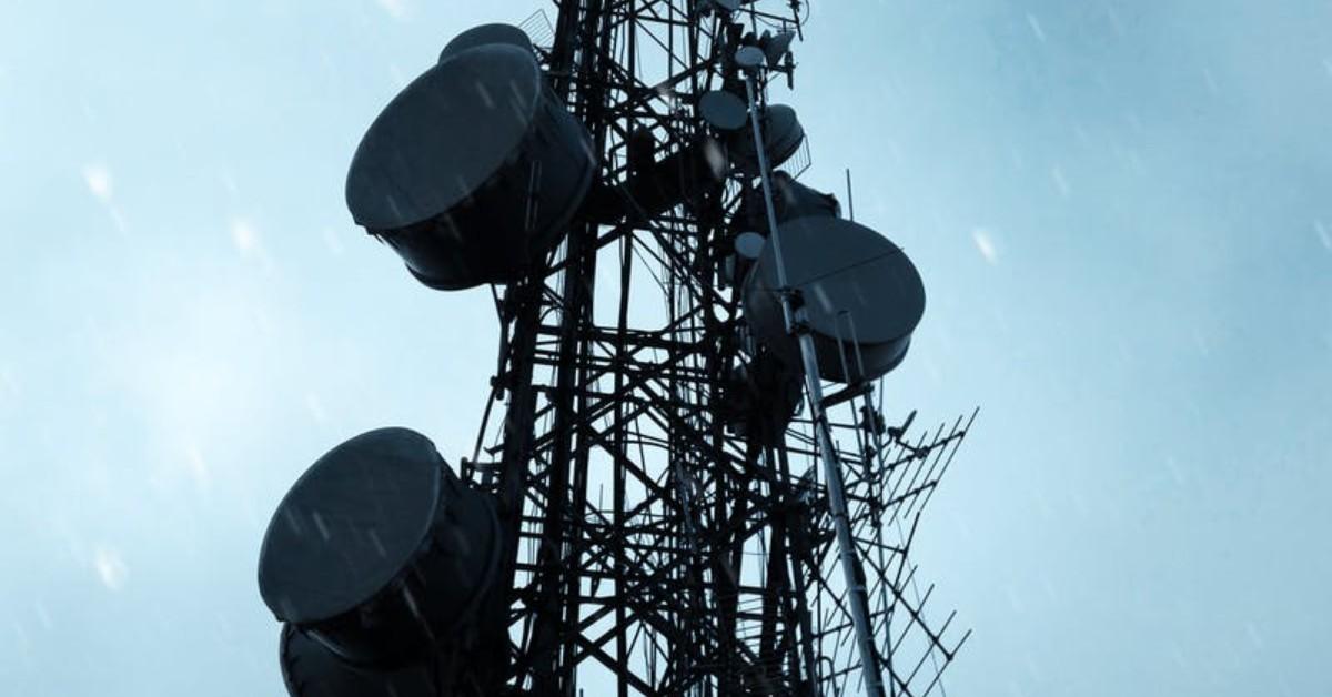 Normativas que debe un operador de telecomunicaciones
