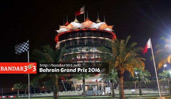Paddock Sirkuit Internasional Bahrain di malam hari