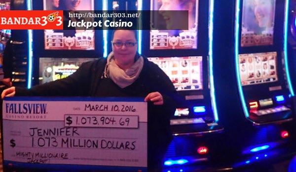 Jennifer Carter menang Jackpot