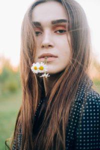 Eine junge, schöne Haut sollte man sich so lange wie möglich bewahren. An Stirn , Dekolleté , Hals , Augen faltenfrei dank anti aging accessoires von Banderella
