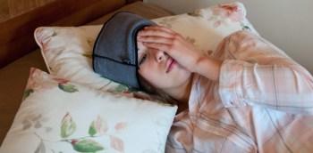 Der Traumschal von Banderella ist die bessere Schlafbrille: Er verhilft nicht nur durch Verdunklung zu einem besseren Schlaf, sondern ist auch gut gegen chronische Sinusitis oder andere Beschwerden, wie z.B. Kieferschmerzen oder Mittelohrentzündung