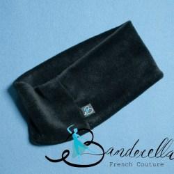 Eine weichere Schlafmaske gibt es nicht: Der Traumschal von Banderella fühlt sich an wie Nerz und ist sehr leicht und mit Baumwollanteil angenehm zu tragen.